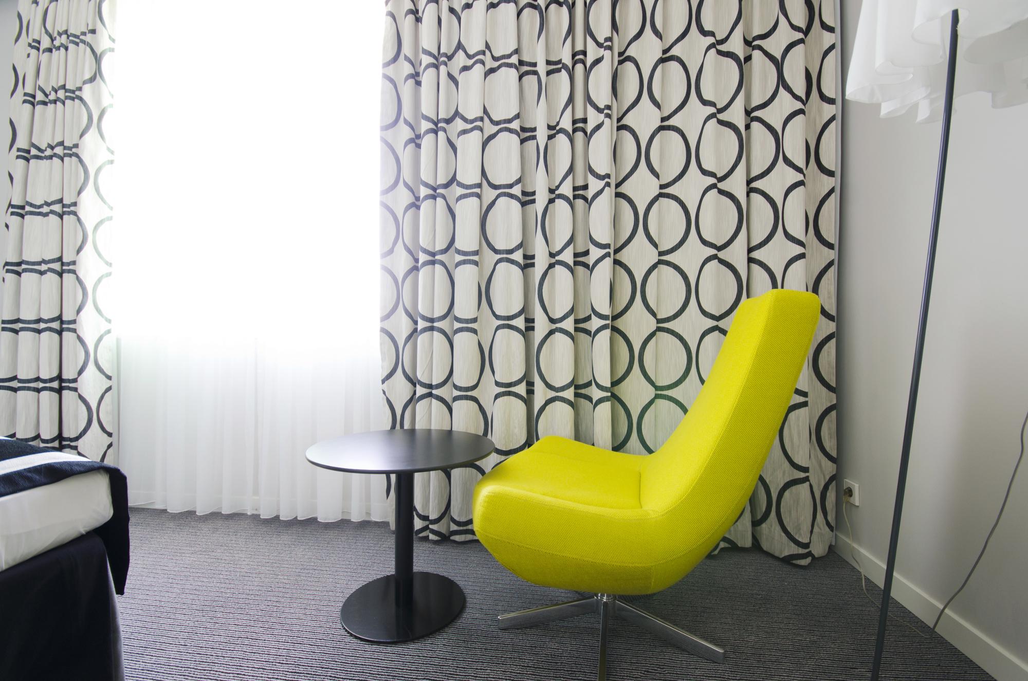 Beste Fensterfronten Und Metall Treppe Haus Design Minimalistisch ...